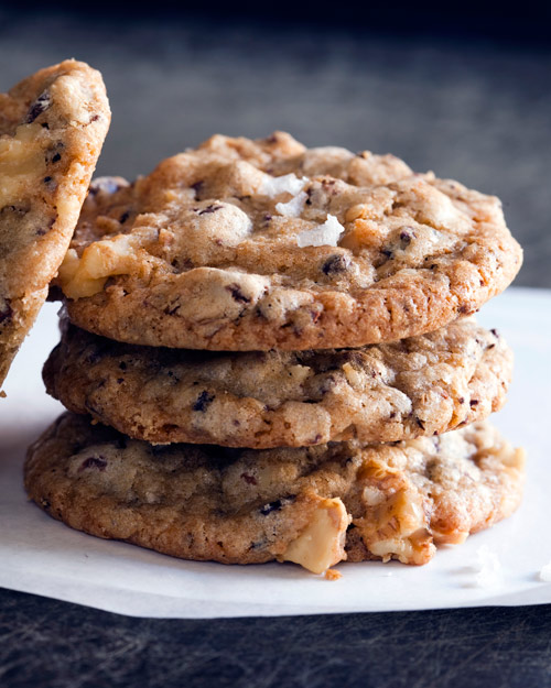 In the Kitchen with Jennifer Martine's Salted Chocolate Chip Cookies | Design Sponge | Pinterest Picks - Picnic Recipes