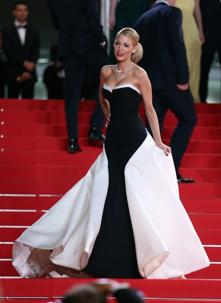 Blake Lively black and white Gucci Première dress at Cannes 2014