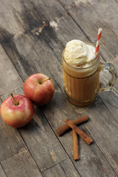 Spiked Apple Cider Floats | Food + Words | Six Fall Cocktails to Try this Season