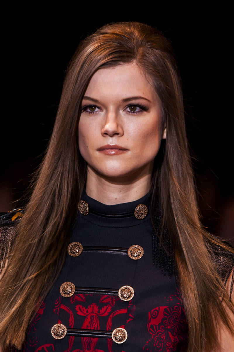 Versace Fall 2014 Ready-to-Wear Beauty | Pinterest Picks - Fall 2014 Runway Hairstyle Inspiration
