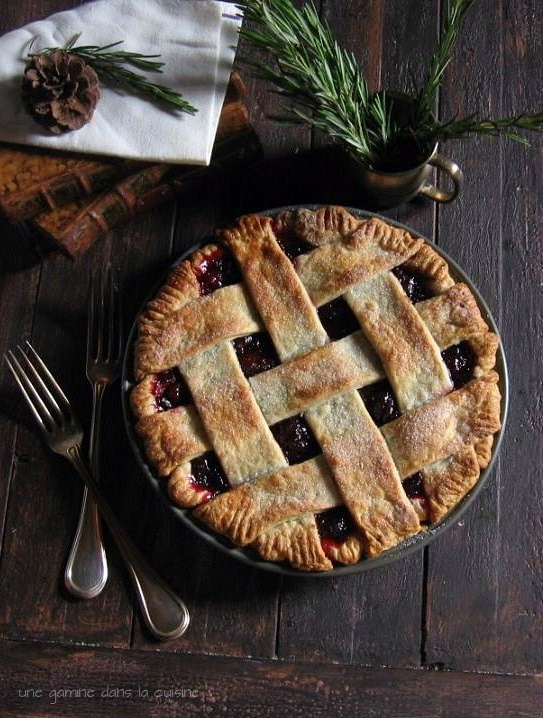 Cranberry Pie with Rosemary Buttermilk Crust | une gamine dans la cuisine | Thanksgiving Pie Recipes