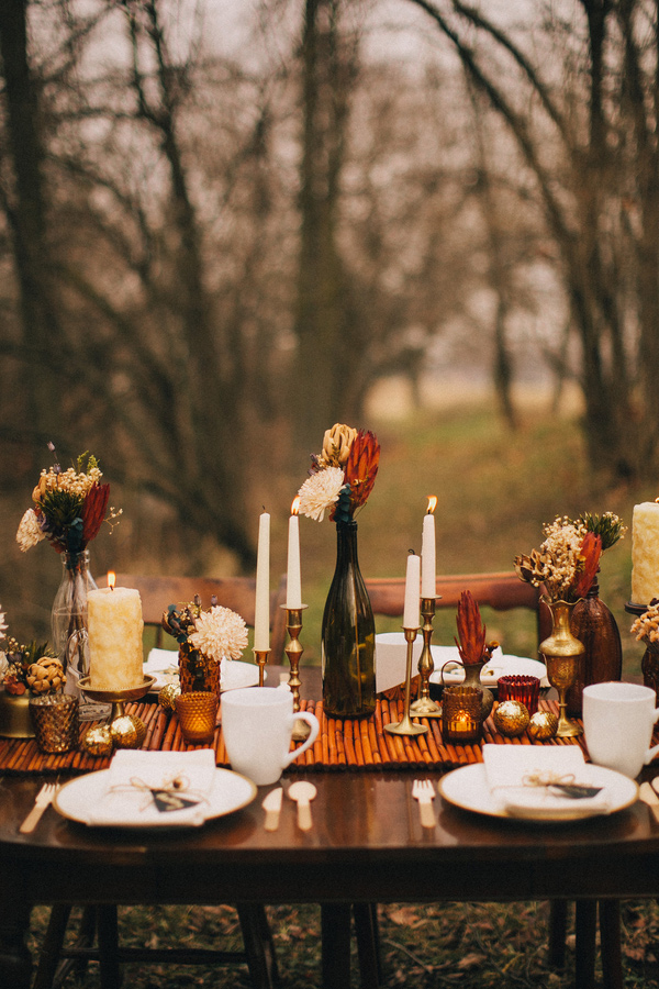 Midwest Winter Wedding by Ashley Dru | Ruffled Blog | Simple Thanksgiving Table Setting Ideas