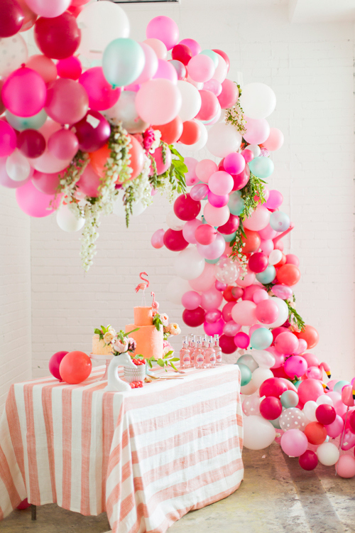 Balloon Arch Tutorial | The House That Lars Built | Valentine's Day Inspiration