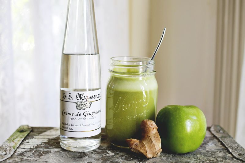 Apple Ginger Cocktail | A Beautiful Mess | Six Green Cocktails for St. Patrick's Day