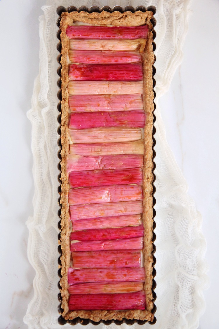 Rhubarb Tart | The Naked Fig | Summer Ready Rhubarb Recipes