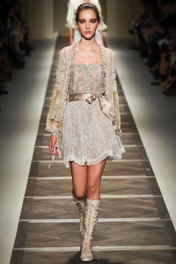 Etro Spring 2016 Ready to Wear Look 9 | Spring 2016 Ready to Wear Runway Looks
