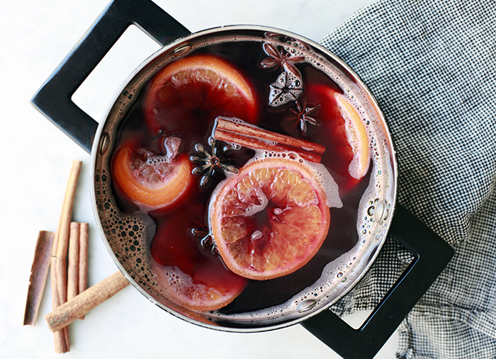 Pomegranate Mulled Wine | The Jewels of New York | Winter Cocktails