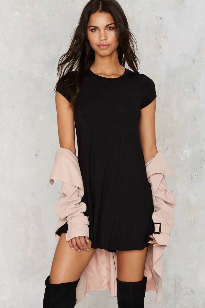 10 T-Shirt Dresses to Wear with a Leather Jacket - Nasty Gal Take the Shirt Cut Dress