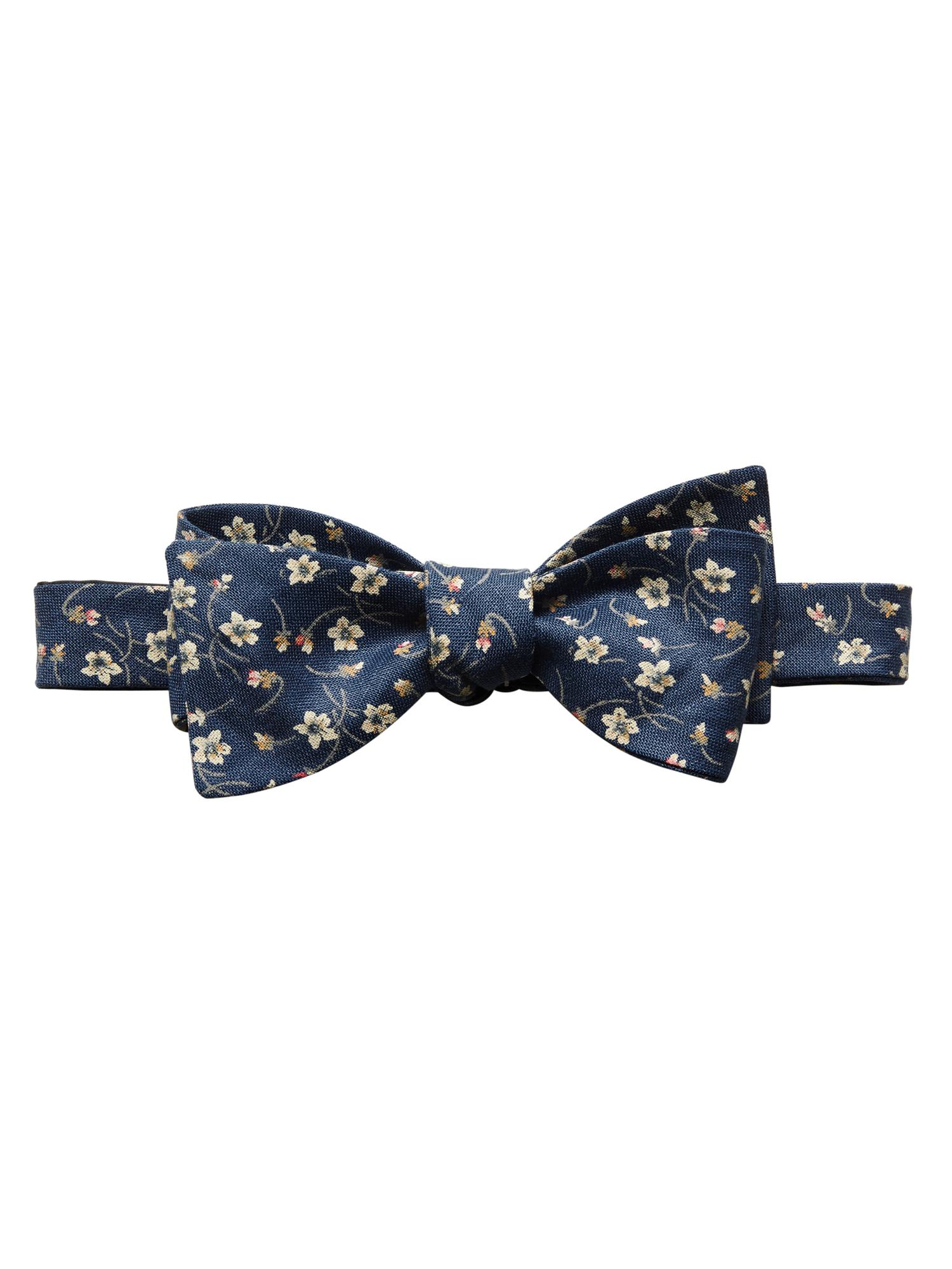 Floral Prints for Guys - Banana Republic Floral Bow Tie