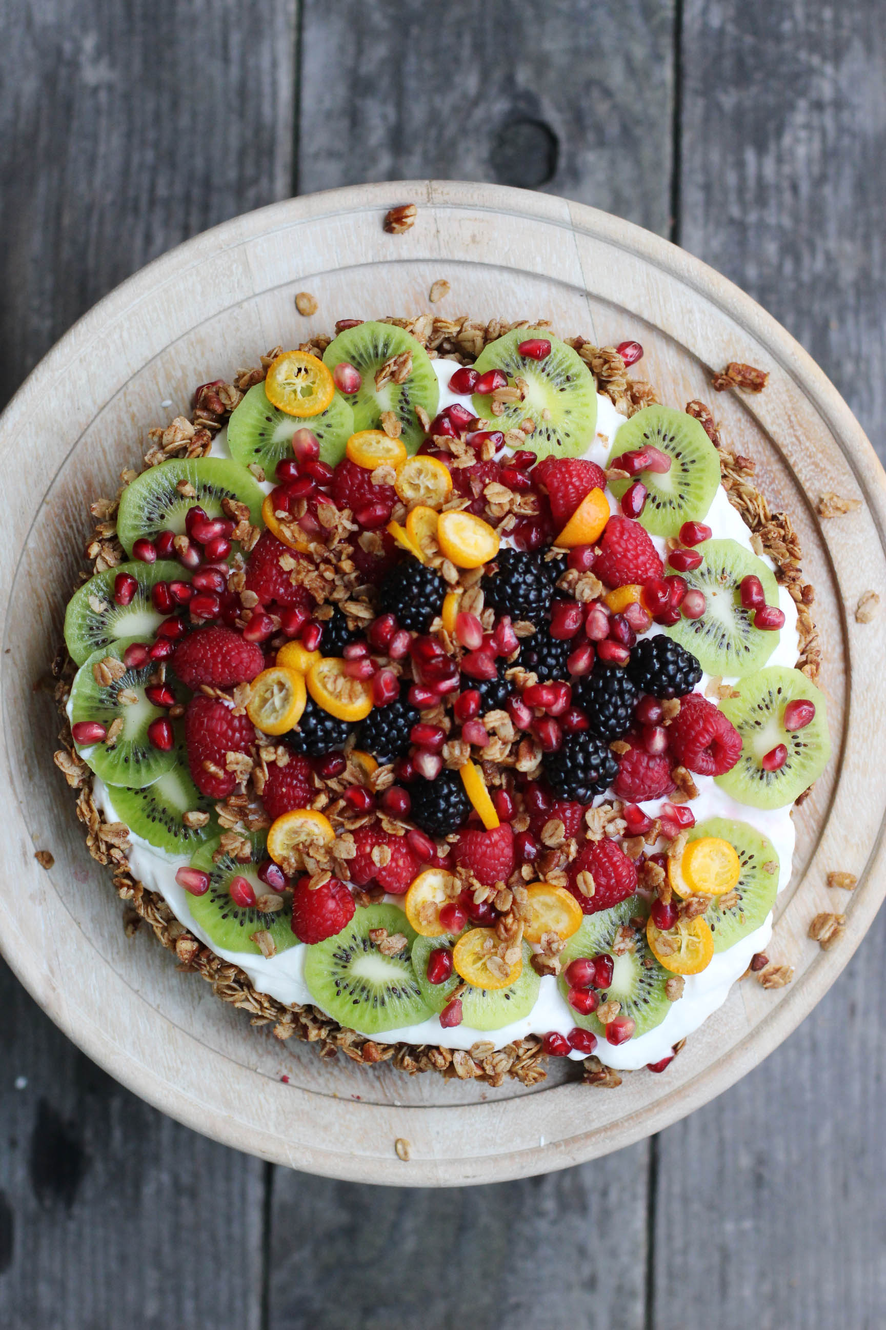 Brunch Recipes for Mother's Day - Granola-Crusted Yogurt Fruit Tart | Honestly Yum