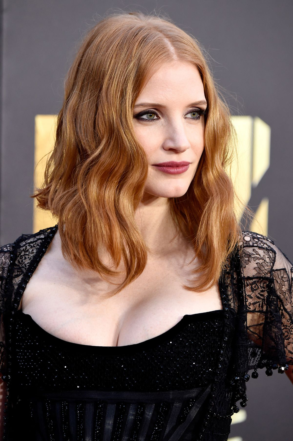 Jessica Chastain Debuts Short Hair Just In Time For The Warm Weather | Bustle - 8 Romantic Hairstyles for Fall