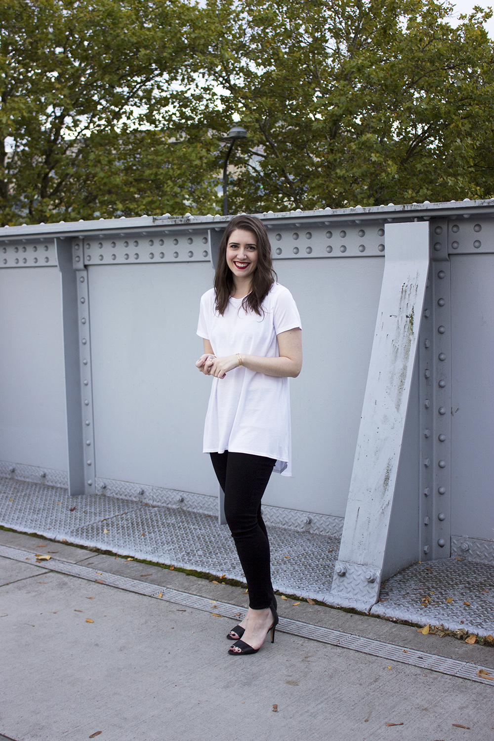 Buki The Long Weekend Tee Date Night Outfit on Style and Cheek | Buki Date Night Outfit