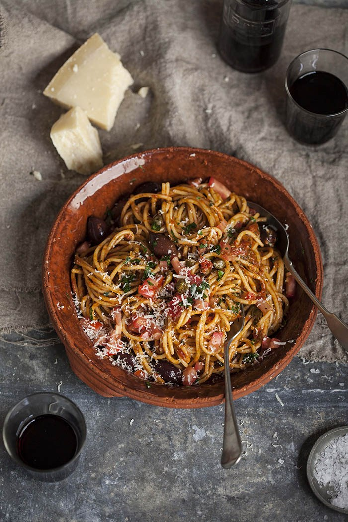 Spaghetti Puttanesca | Drizzle & Dip - Pinterest Picks - 8 Indulgent Seafood Recipes for Christmas Eve