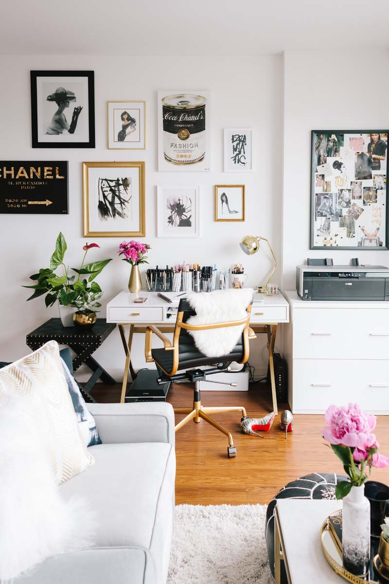 This Tiny San Francisco Apartment Is Our Bachelorette Dream | The Everygirl - Pinterest Picks - Dreamy Gallery Walls - Gallery Wall Inspiration