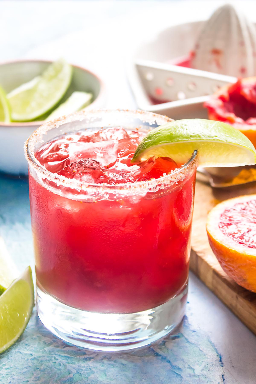 Smoky Blood Orange + Turmeric Mezcal Margarita | Wicked Spatula - Pinterest Picks - Cinco de Mayo Ready Margarita Recipes