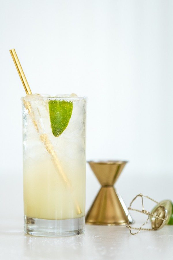 Sparkling Margaritas | The Sweetest Occasion - Pinterest Picks - Cinco de Mayo Ready Margarita Recipes
