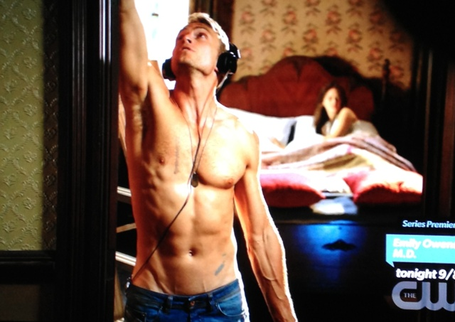 Wade shirtless | Hart of Dixie If It Makes You Happy