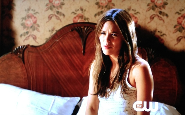 Zoe confused and annoyed | Hart of Dixie If It Makes You Happy