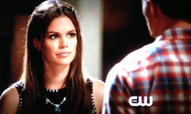 Wade giving Zoe some of his wisdom | Hart of Dixie If It Makes You Happy