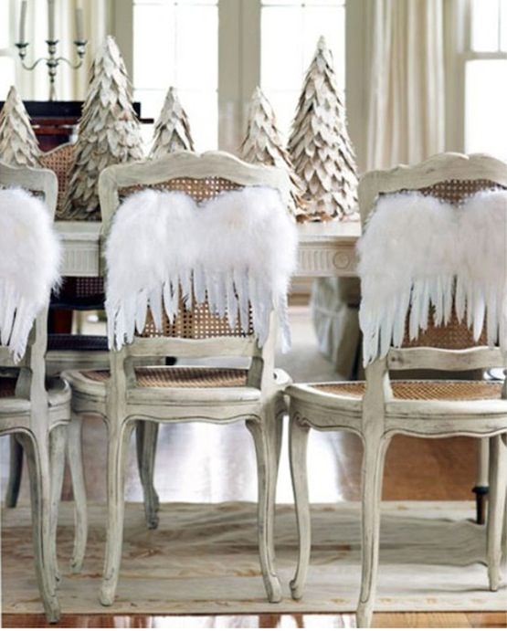 White Christmas | Country Living | Holiday Table Settings & Pinterest Picks - Holiday Table Settings