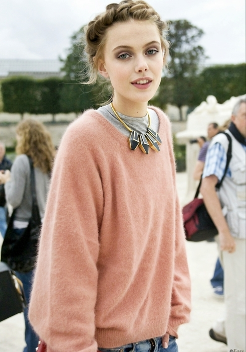 Frida in Pink Street Style | Style Saint