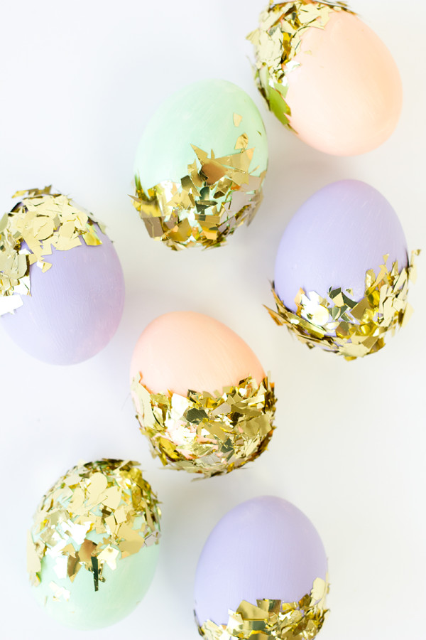 DIY Confetti Dipped Easter Eggs   Studio DIY   Pinterest Picks - Decorating Easter Eggs