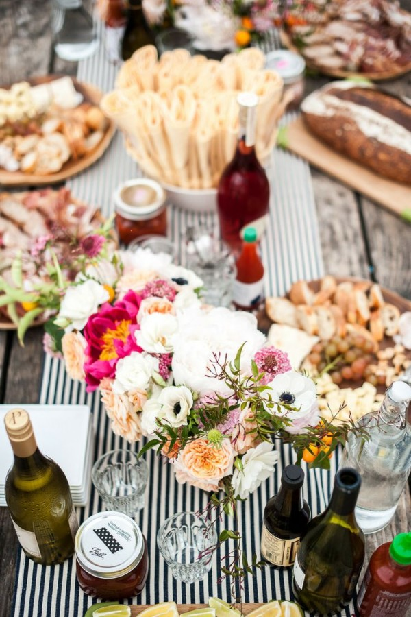 Melanie's Surfside Oyster Boil 30th Birthday Party | The Sweetest Occasion | Friday Inspiration
