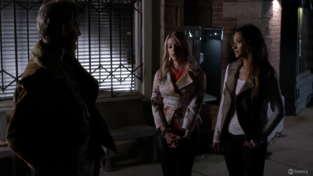 Pretty Little Liars Surfing the Aftershocks
