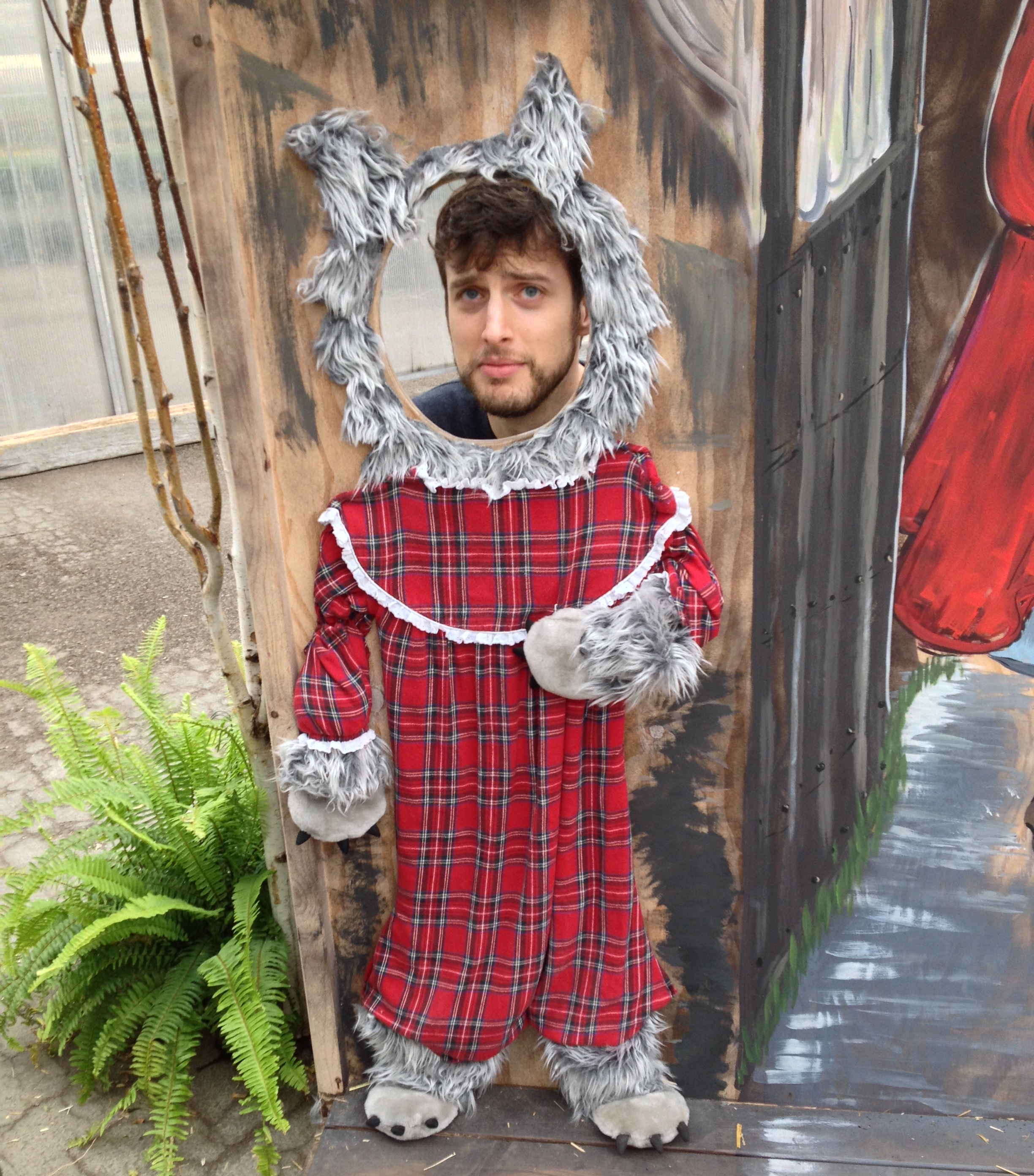 Dan as wolfy