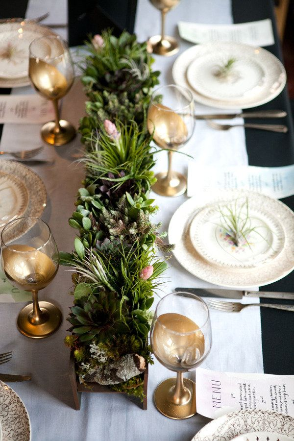 Endive Atlanta Photo Shoot by Courtney Khail Stationery and Design Gallery | Style Me Pretty | Simple Thanksgiving Table Setting Ideas