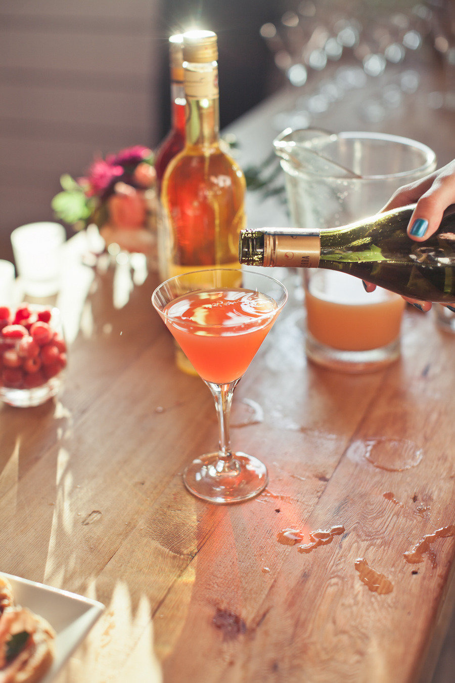 Prosecco Cocktail by Cocoa+Kelley photography: Woodnote Photography | Style Me Pretty | Six Champagne Cocktails to Try this Winter