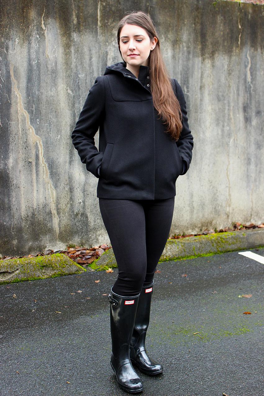J.Crew Hooded Bib Jacket, black skinny jeans, Hunter boots   Hunter boots winter outfit