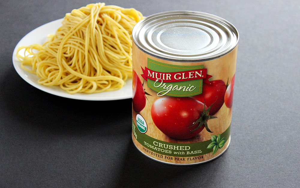 Maninis spaghetti and Muir Glen canned tomato | Tomato Sauce with Pancetta and Shallot recipe | Style and Cheek