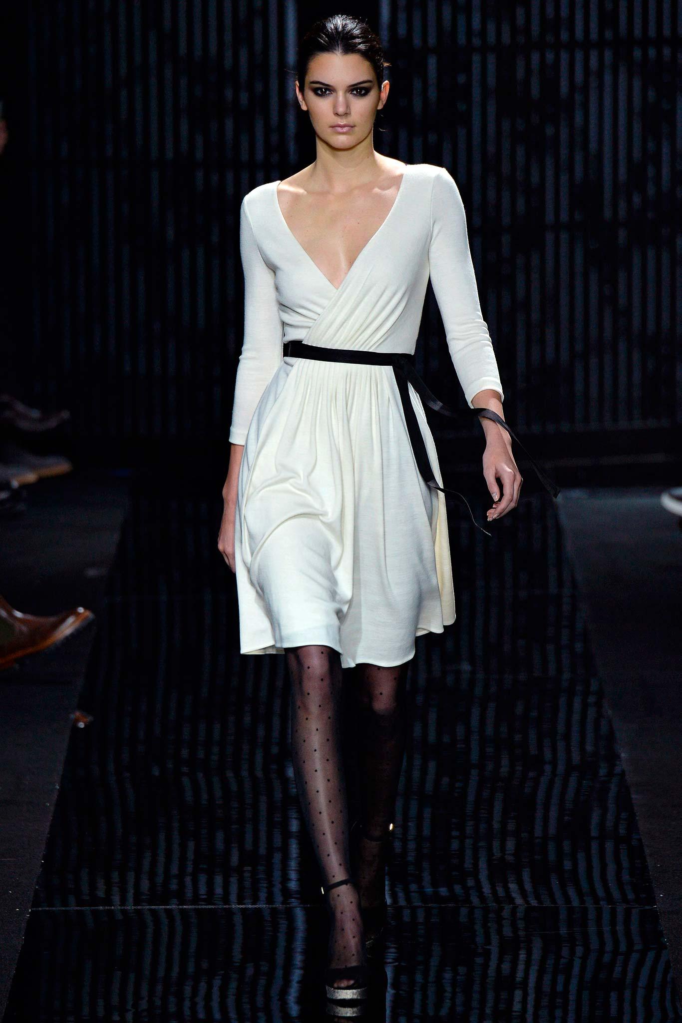 Diane von Furstenberg Fall 2015 Ready-to-Wear Look 1 Photo: Yannis Vlamos / Indigitalimages.com | Style.com | Fall 2015 RTW Runway Looks
