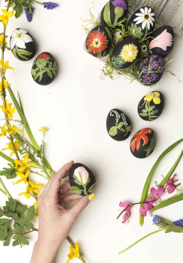 Botanical Easter Eggs   The House That Lars Built   DIY Easter Egg Ideas