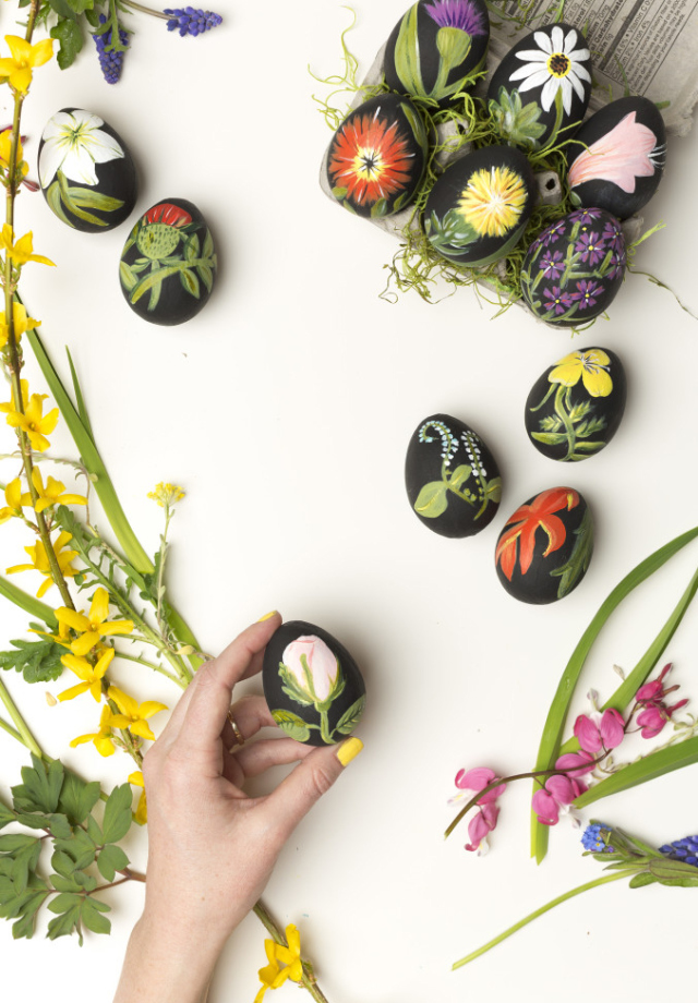 Botanical Easter Eggs | The House That Lars Built | DIY Easter Egg Ideas