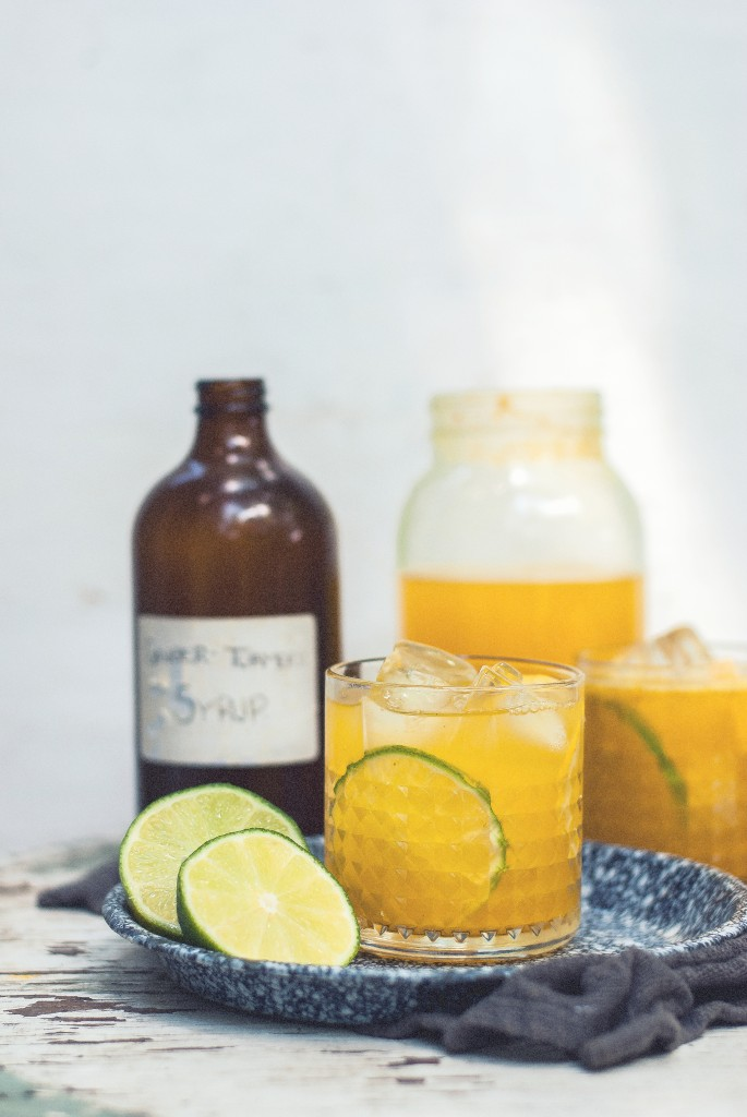 Back to the Kitchen: Spicy Ginger Tumeric Lemon Limeade | The Gouda Life | 6 Flavored Lemonade Recipes