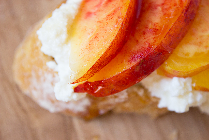 Nectarine Honey Ricotta Crostini | Summertime Ricotta Crostini on Style and Cheek