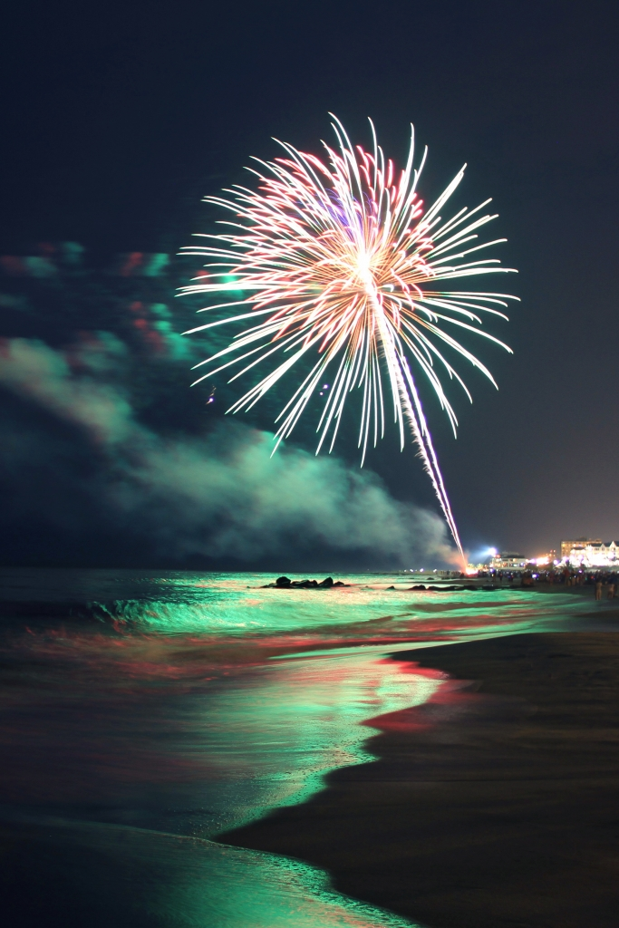 Oceanfest Fireworks photo by Jess Naylor | Happy Fourth of July Weekend