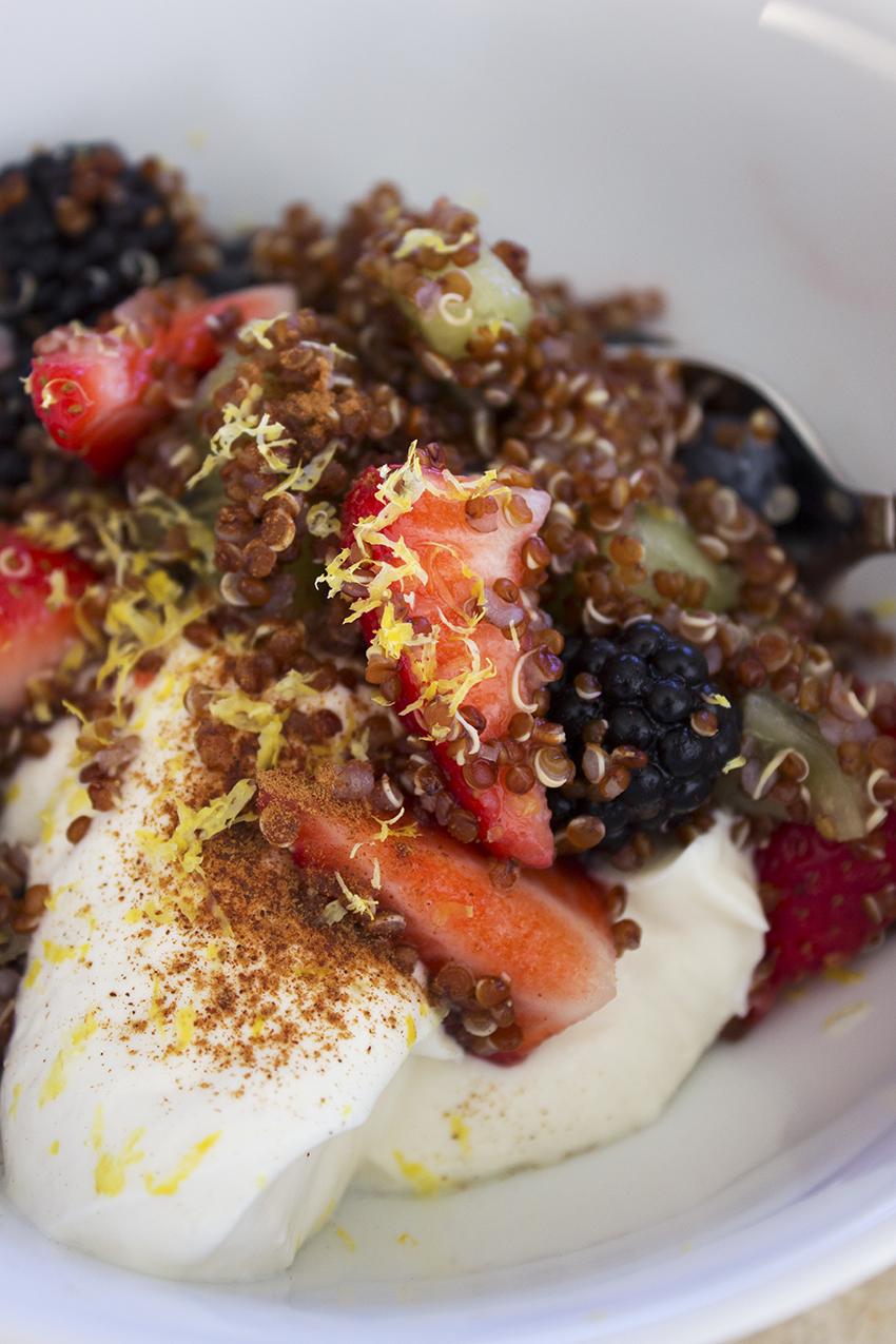 Quinoa fruit salad with greek yogurt | Quinoa Fruit Salad recipe on Style and Cheek