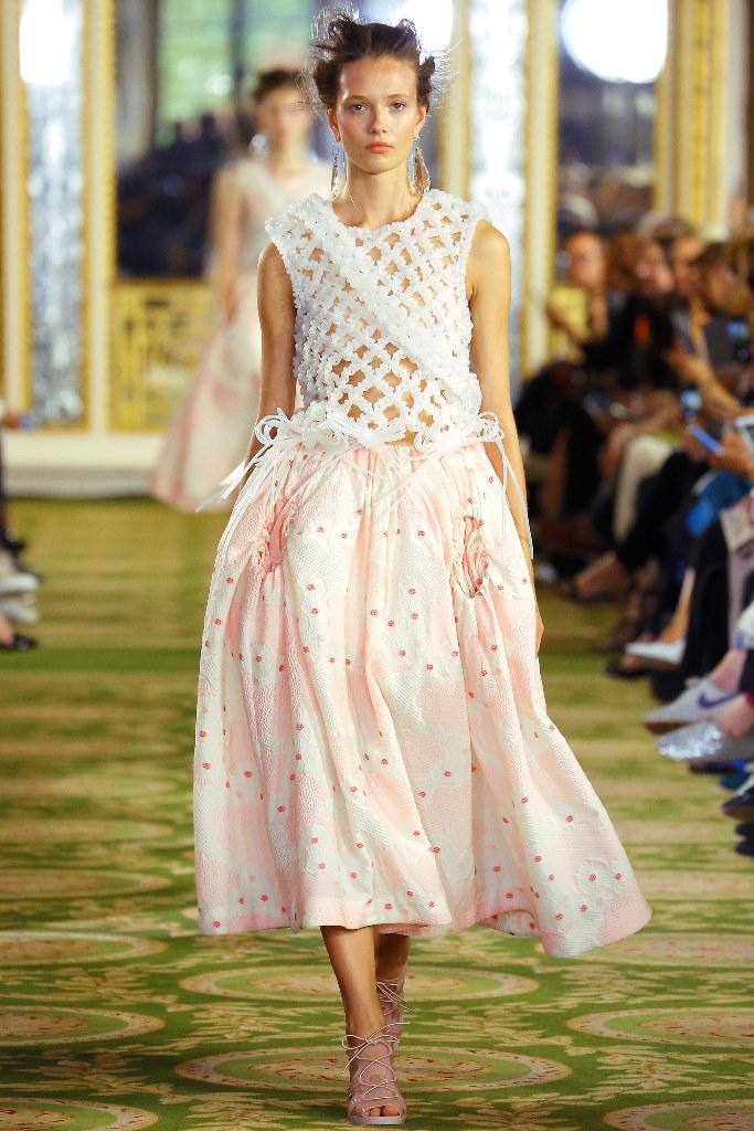 Simone Rocha Spring 2016 Ready to Wear Look 7 - Spring 2016 Ready to Wear Looks