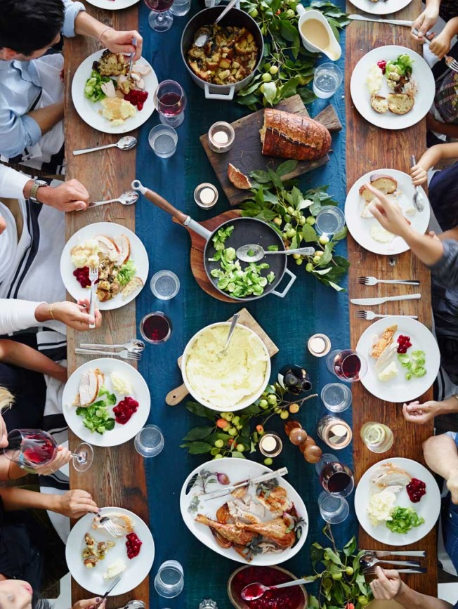 Party Planner: Friendsgiving with Sunday Suppers | Williams-Sonoma Taste | Friendsgiving Inspiration