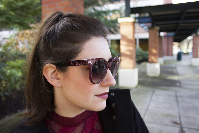 Red Winter Outfit Katrine Sunglasses in Deep Red