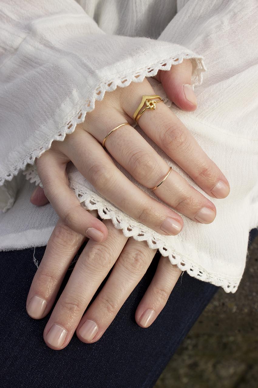 Boho choker outfit Moorea Seal Knot Band and Moorea Seal Peak Ring