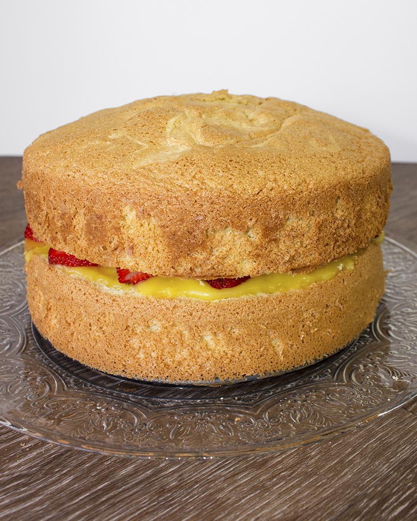 Italian Sponge Cake with Lemon Curd naked
