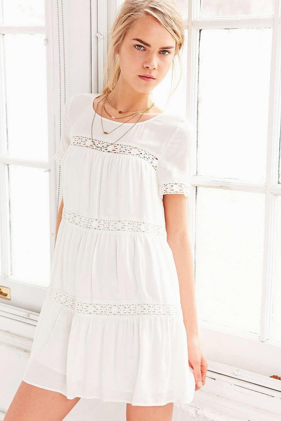 10 Perfect White Vacation Dresses - Alice & UO Eleonora Crochet Inset Dress