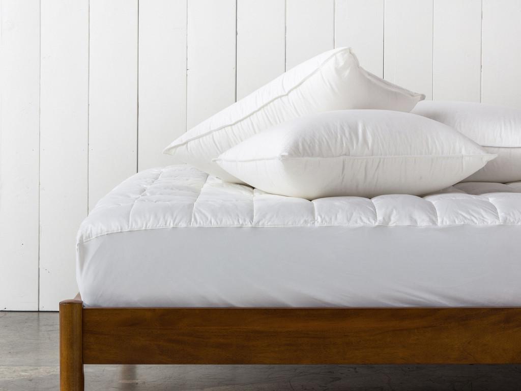 Parachute Bedding Review - Down Pillow | Parachute