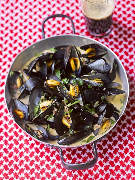 8 Savory Guinness Recipes - Mussels with Guinness | Jamie Oliver