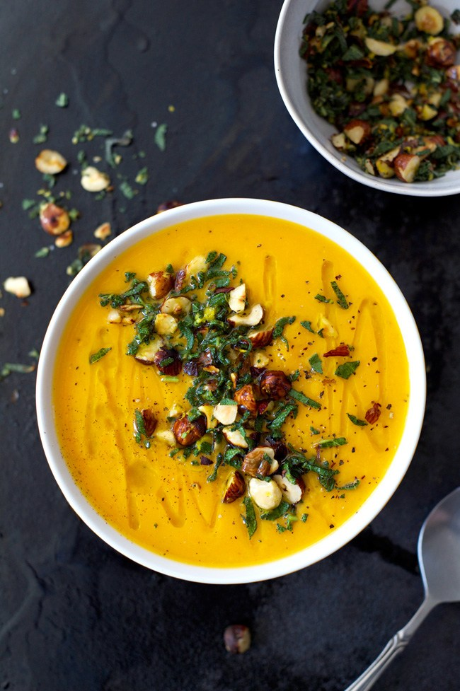 Roasted Butternut and Garlic Soup with Sage and Hazelnuts | Homespun Capers - 10 Comforting Fall Soups