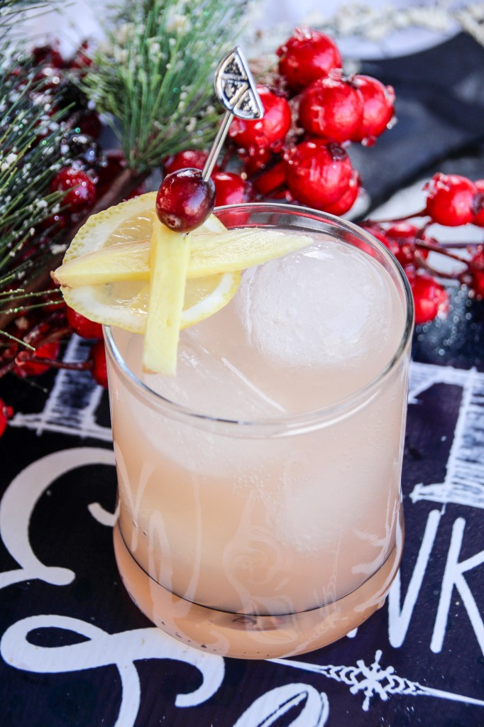 Grapefruit Ginger Lemonade Mocktail | Slap Dash Mom - Pinterest Picks - 8 Tasty Holiday Mocktails